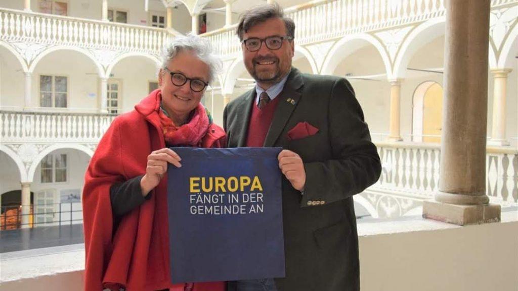 Europa rockt den Mai 2019: auch die beiden St. Veiter Europa-Gemeinderäte Isolde Glanznig-Zimmermann (SPÖ) und Christian Passin (St. Veiter Volkspartei - Liste Rudie Egger) tragen mit den neuen EU-Seiten auf derStadthomepage mit bei.